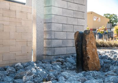 Ausstellungen Außenbereich Gartendeko Wasserfall im Stein