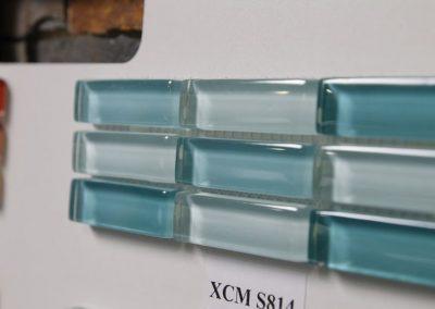 Ausstellungen Innenbereich Dekofliesen hellbau glas